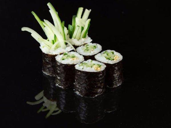 sushi_0002_a3b3e2a4fc275a13f3c3f89047260dc3