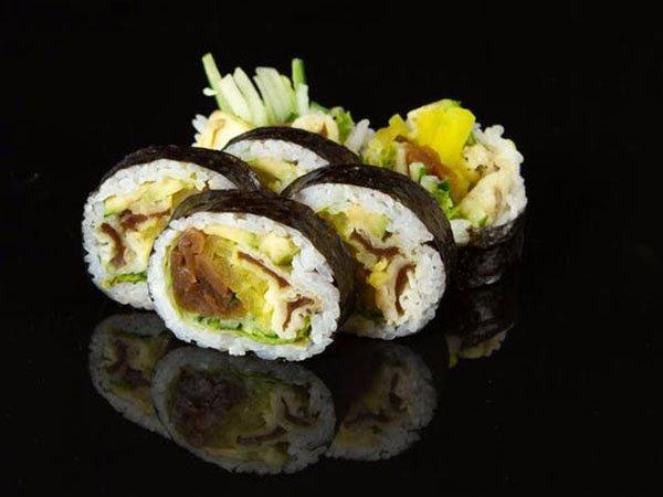 sushi_0000_47f010a0a525b28507cc6b42db46a4d2