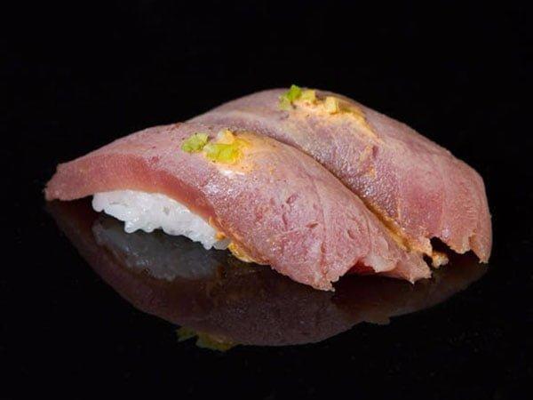 sushi_0001_0d77c2e4bb9f3e0e3bfb5e1afc837781