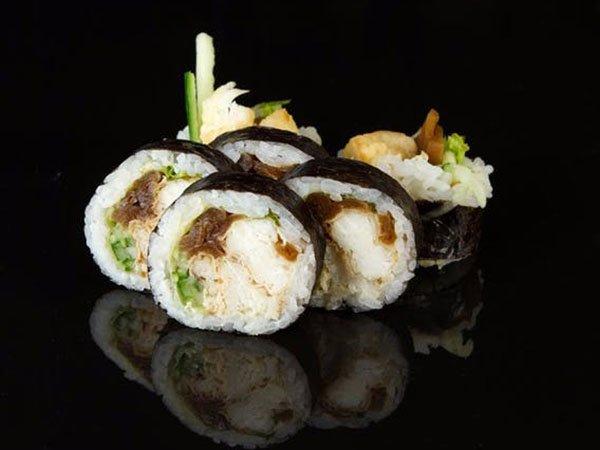 sushi_0002_1232a9ebe5ff8a4556e92e84e948b32f