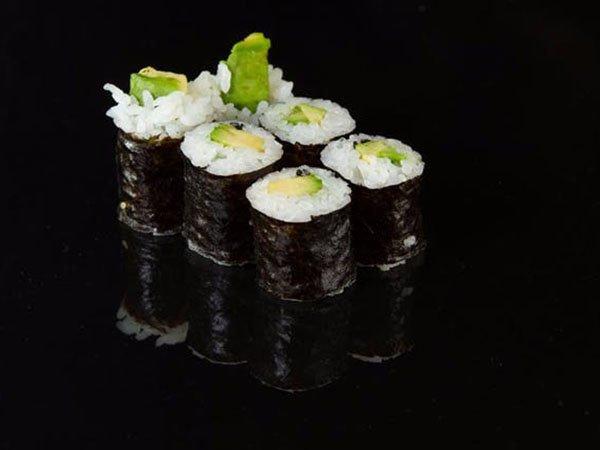 sushi_0003_6a75fc54f624a84af54b4a9cb4fdd6d4